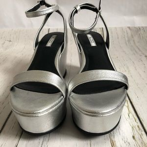 (BNIB) Aldo Platform Wedge Silver Sandals